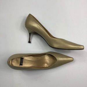 Vtg Stuart Weitzman Gold Pointy Pumps Heels